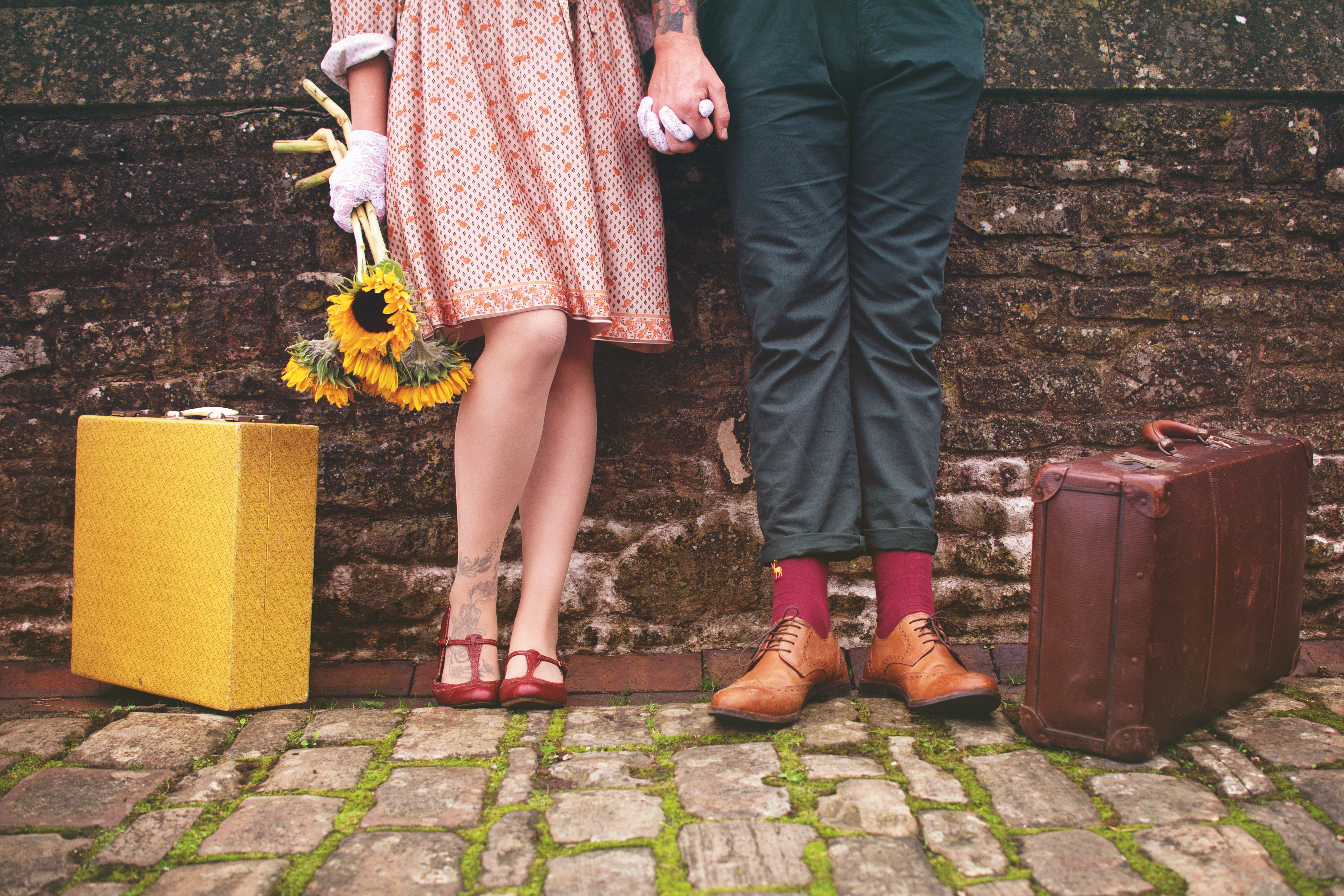 Color Palette – couple romantic together vintage –  #4d3f37, #e9c5bd, #cda06b, #98755c, #aca854 – Paco color, Congo color, White Oak color, Tangara color, Spinach Banana Smoothie color