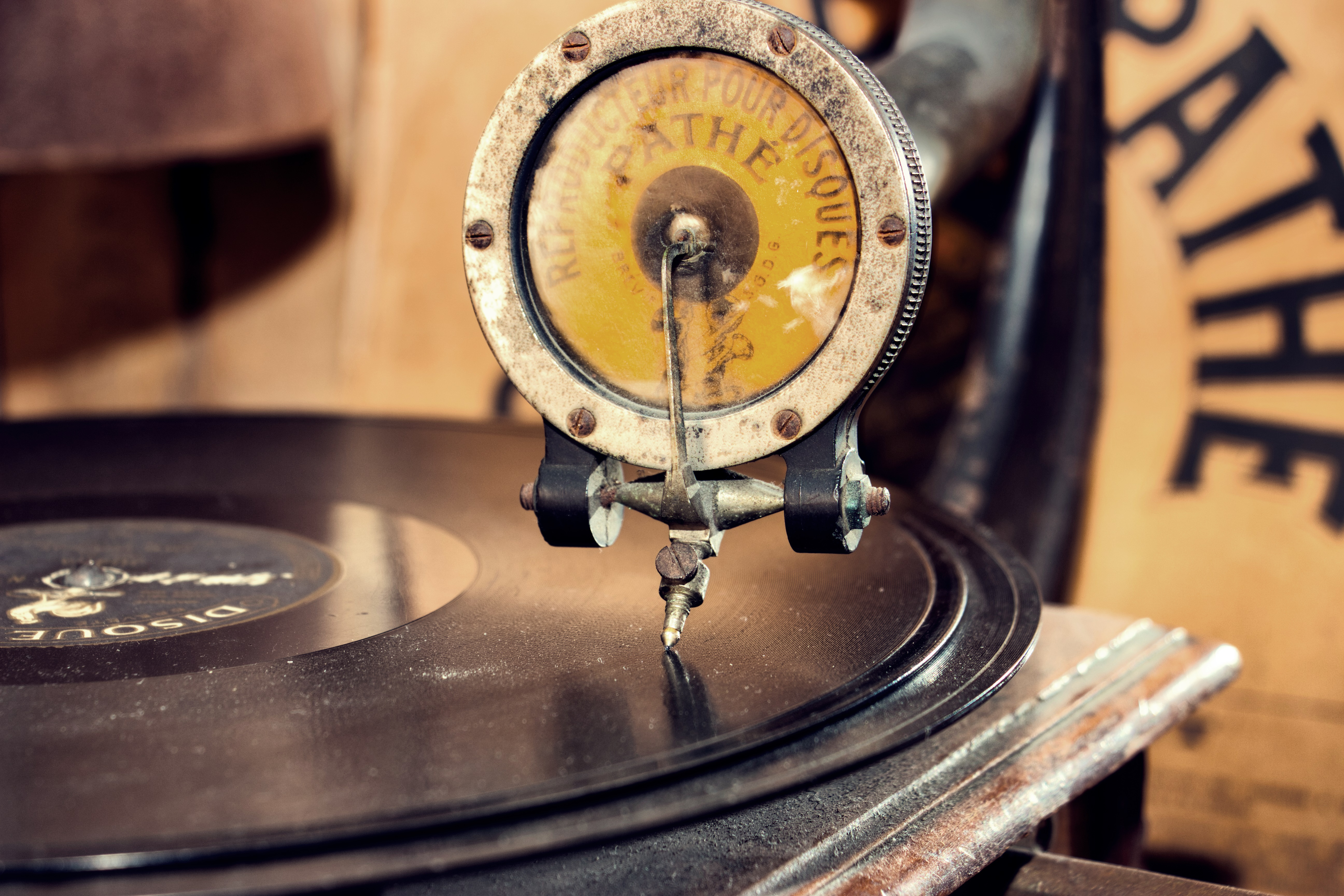 Colors of an old record player